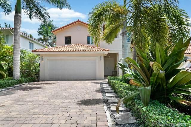 6739 Poinciana Ct, South Miami, FL 33143 (MLS #A11042540) :: Team Citron