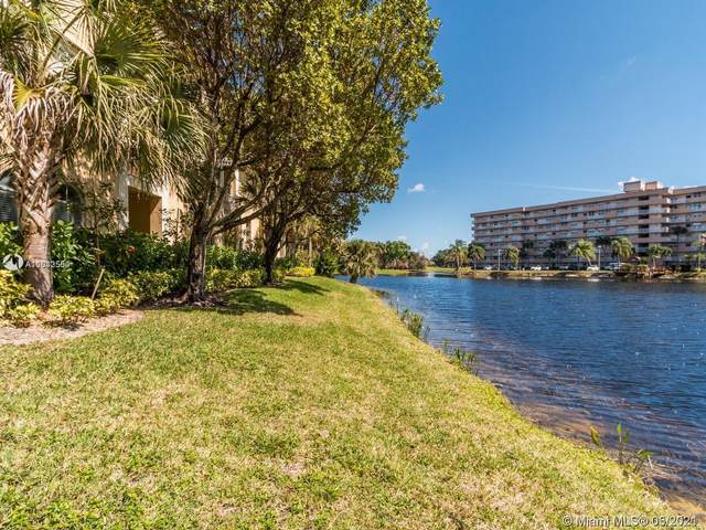 160 Jacaranda Country Club Dr #203, Plantation, FL 33324 (MLS #A11042554) :: The Teri Arbogast Team at Keller Williams Partners SW