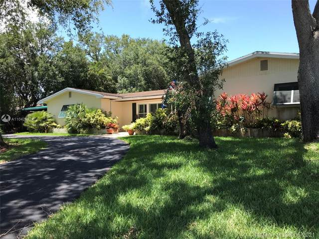 7475 SW 173rd St, Palmetto Bay, FL 33157 (MLS #A11042882) :: The Rose Harris Group