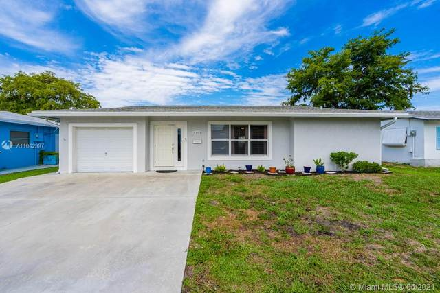 6103 NW 74th Ave, Tamarac, FL 33321 (MLS #A11042997) :: The Riley Smith Group