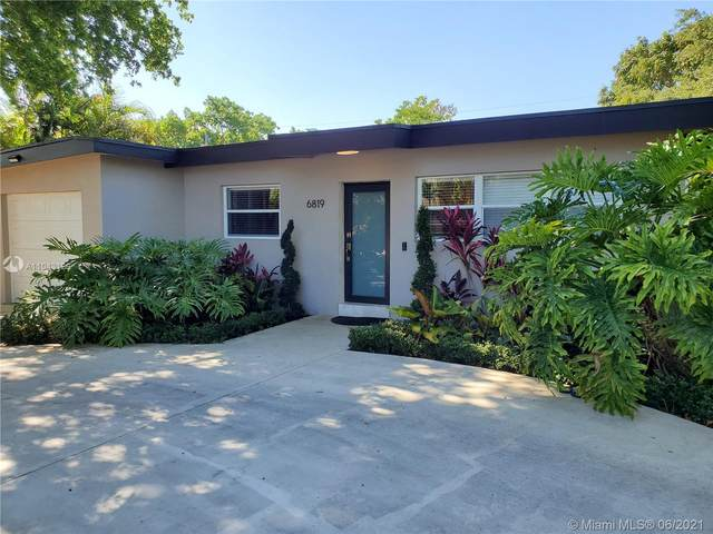 6819 SW 53rd St, Miami, FL 33155 (MLS #A11043129) :: The Riley Smith Group