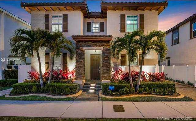 16951 SW 90th Terrace Cir, Miami, FL 33196 (MLS #A11043378) :: Rivas Vargas Group