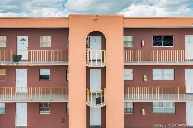 6850 W 16th Dr #318, Hialeah, FL 33014 (MLS #A11043532) :: Natalia Pyrig Elite Team | Charles Rutenberg Realty