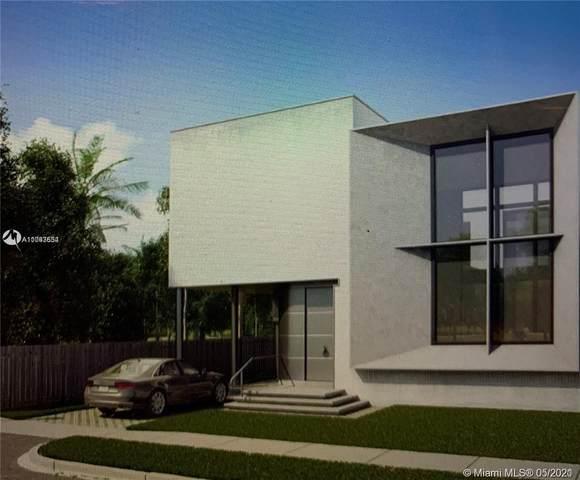 2447 Pierce St, Hollywood, FL 33020 (MLS #A11043554) :: Equity Advisor Team