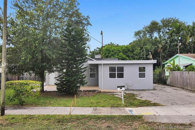 760 NE 152nd St, Miami, FL 33162 (MLS #A11043736) :: Team Citron