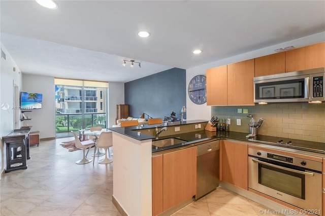 1060 Brickell Ave #1415, Miami, FL 33131 (MLS #A11043817) :: Carole Smith Real Estate Team
