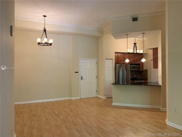2000 N Bayshore Dr #123, Miami, FL 33137 (MLS #A11044018) :: Castelli Real Estate Services