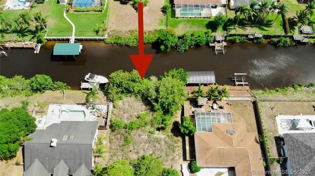 612 SE Seahouse Dr, Port Saint Lucie, FL 34983 (MLS #A11044109) :: Dalton Wade Real Estate Group