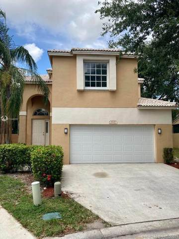 5861 Eagle Cay Cir, Coconut Creek, FL 33073 (MLS #A11044205) :: The Pearl Realty Group