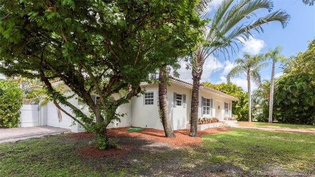 1551 Delgado Ave, Coral Gables, FL 33146 (MLS #A11044336) :: The Pearl Realty Group