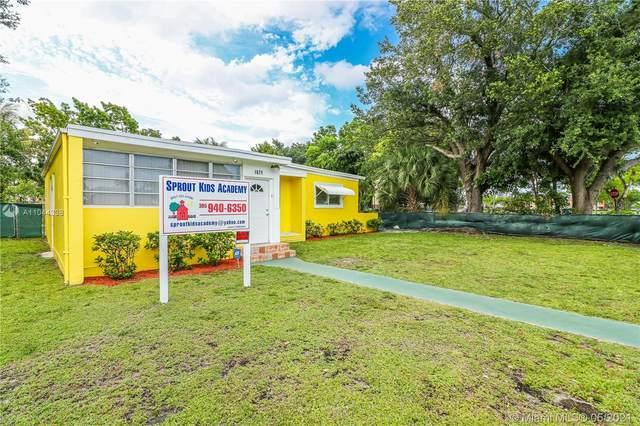 1671 NE 161st St, North Miami Beach, FL 33162 (MLS #A11044338) :: The Riley Smith Group
