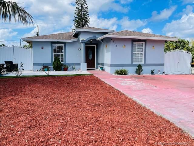 819 Hansen St, West Palm Beach, FL 33405 (MLS #A11044459) :: The Riley Smith Group