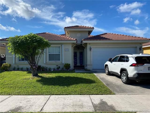 2822 SW 148th Path, Miami, FL 33185 (MLS #A11044778) :: Team Citron
