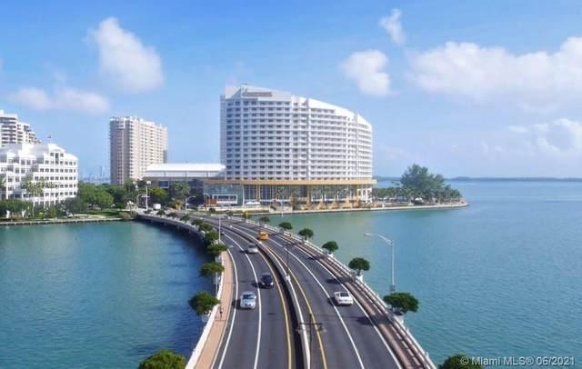 888 Brickell Key Dr #800, Miami, FL 33131 (MLS #A11044857) :: The Rose Harris Group