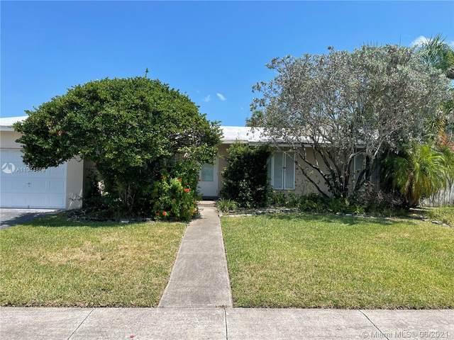 17861 SW 89th Ct, Palmetto Bay, FL 33157 (MLS #A11044869) :: Berkshire Hathaway HomeServices EWM Realty
