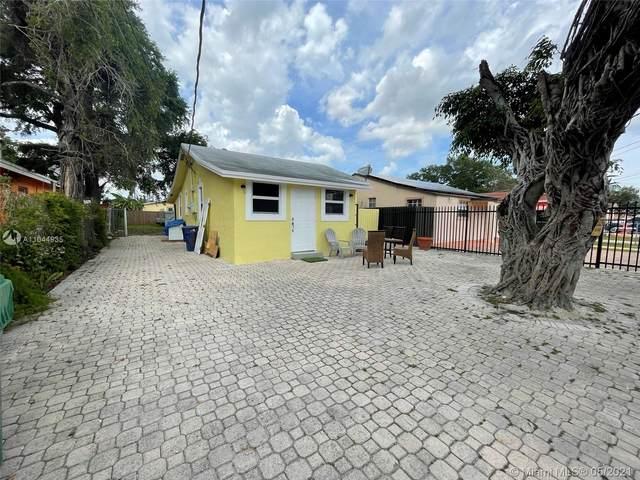 2963 NW 55th St, Miami, FL 33142 (MLS #A11044935) :: Equity Advisor Team