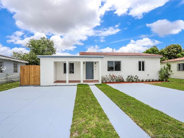 1301 SW 74th Ave, Miami, FL 33144 (MLS #A11045152) :: The Riley Smith Group