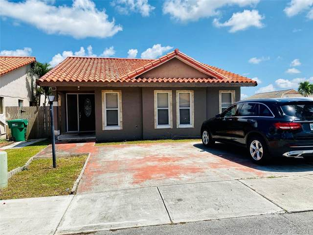 10207 NW 126th St, Hialeah Gardens, FL 33018 (MLS #A11045307) :: The Riley Smith Group