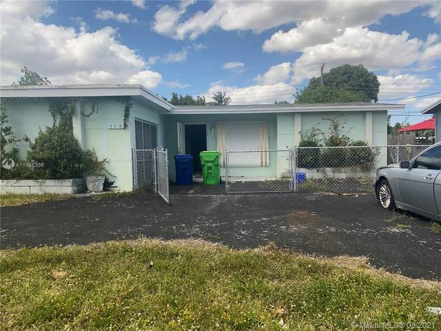 7041 NW 24th Ct, Sunrise, FL 33313 (MLS #A11045308) :: The Riley Smith Group