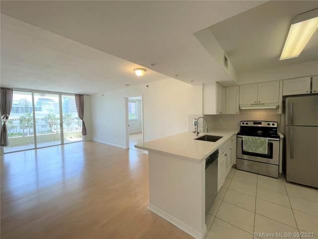 2642 Collins Ave #404, Miami Beach, FL 33140 (MLS #A11045388) :: Castelli Real Estate Services