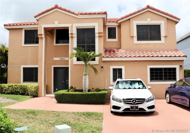 15653 SW 96th Ter, Miami, FL 33196 (MLS #A11045584) :: The Riley Smith Group