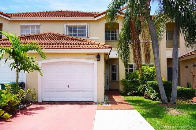 13920 SW 101st Ln, Miami, FL 33186 (MLS #A11045743) :: The Riley Smith Group
