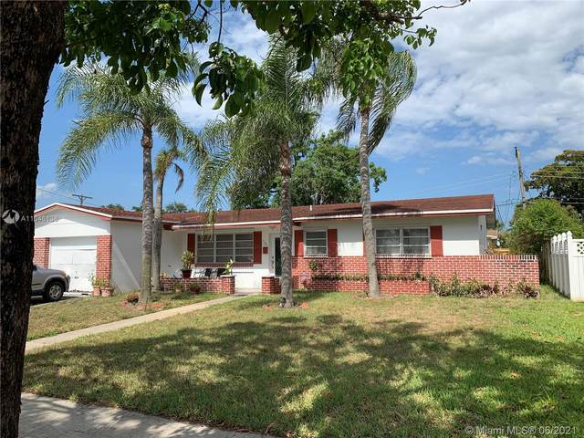 701 NW 78th Ave, Pembroke Pines, FL 33024 (MLS #A11046138) :: The Riley Smith Group