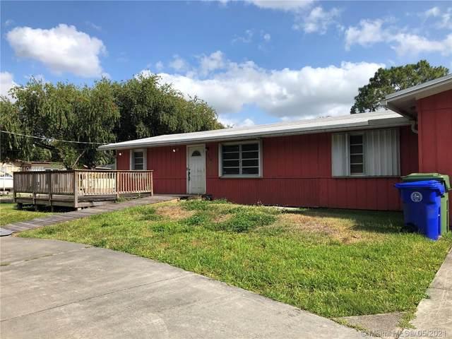 19710 SW 12th St, Pembroke Pines, FL 33029 (MLS #A11046165) :: Team Citron