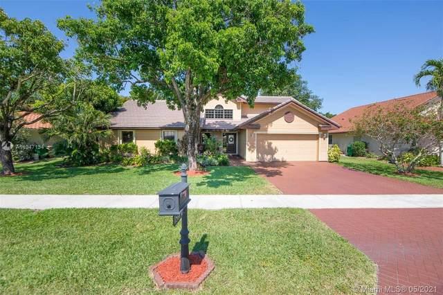 1510 E Oak Knoll Cir, Davie, FL 33324 (MLS #A11047134) :: Castelli Real Estate Services