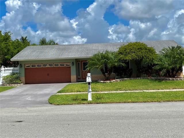 2543 SW 14th Ct, Deerfield Beach, FL 33442 (MLS #A11047252) :: Team Citron