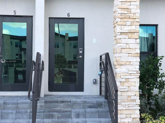 10467 NW 82nd St #6, Doral, FL 33178 (MLS #A11047387) :: Berkshire Hathaway HomeServices EWM Realty