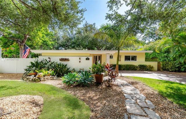 3201 Calusa St, Coconut Grove, FL 33133 (MLS #A11047745) :: Berkshire Hathaway HomeServices EWM Realty