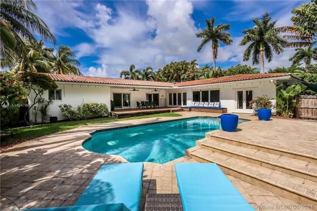 1117 Adams St, Hollywood, FL 33019 (MLS #A11047865) :: Berkshire Hathaway HomeServices EWM Realty
