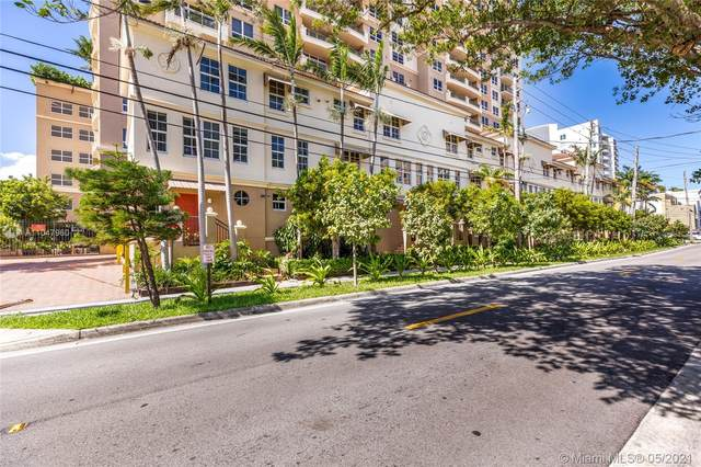 3232 Coral Way #112, Coral Gables, FL 33145 (MLS #A11047960) :: The Howland Group