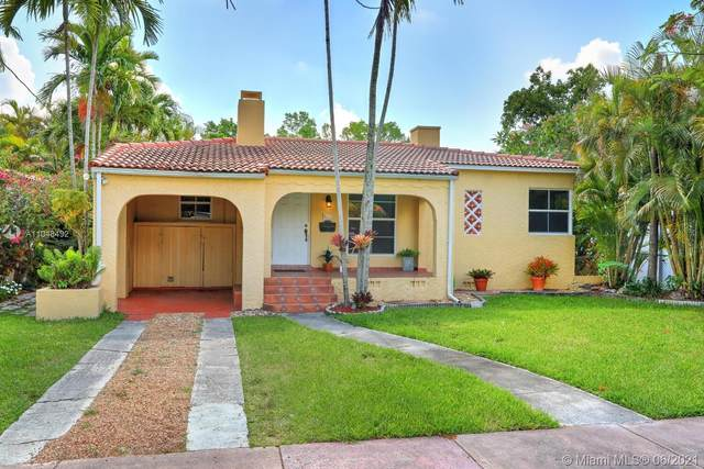 829 Granada Groves Ct, Coral Gables, FL 33134 (MLS #A11048492) :: The Riley Smith Group
