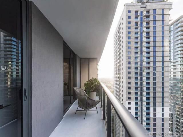 45 SW 9th St #3309, Miami, FL 33130 (#A11048524) :: Posh Properties