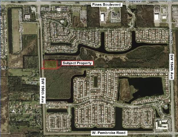 196 Sw Ave, Pembroke Pines, FL 33029 (MLS #A11048741) :: Rivas Vargas Group