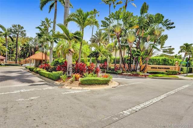 15545 NW 82nd Pl, Miami Lakes, FL 33016 (MLS #A11048819) :: Rivas Vargas Group