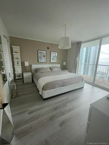 1200 Brickell Bay Dr #3705, Miami, FL 33131 (MLS #A11048880) :: The Rose Harris Group