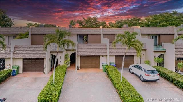1571 Rue Vendome 3B, Pembroke Pines, FL 33026 (MLS #A11048928) :: Berkshire Hathaway HomeServices EWM Realty