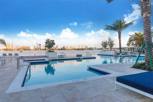 17111 Biscayne Blvd #811, North Miami Beach, FL 33160 (MLS #A11049317) :: The Rose Harris Group