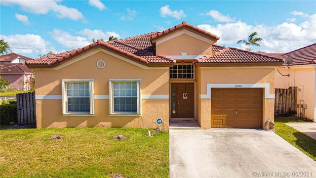 21450 SW Sw 90 Ct, Cutler Bay, FL 33189 (MLS #A11049318) :: The Riley Smith Group