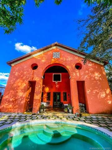 2760 Kirk St, Coconut Grove, FL 33133 (MLS #A11049622) :: Berkshire Hathaway HomeServices EWM Realty