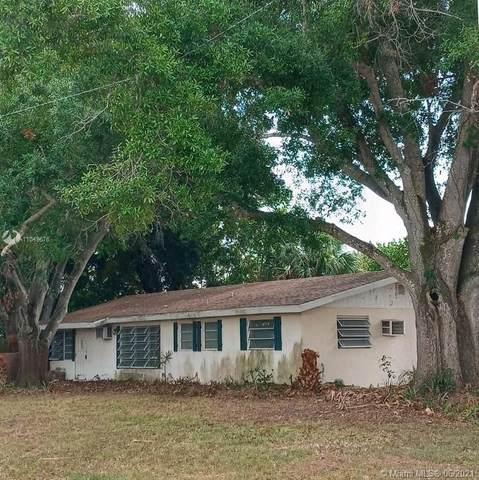 3105 18 Street, Vero Beach, FL 32960 (MLS #A11049676) :: The Riley Smith Group