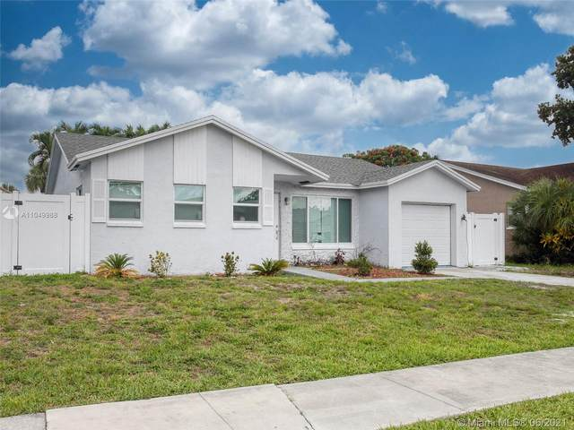 22785 SW 54th Way, Boca Raton, FL 33433 (MLS #A11049988) :: The Riley Smith Group
