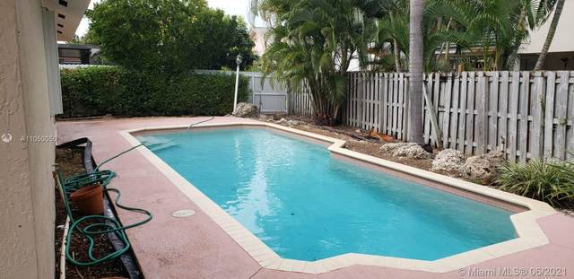 20223 SW 85th Pl, Cutler Bay, FL 33189 (MLS #A11050050) :: The Riley Smith Group