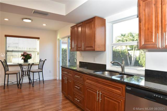 22720 SW 54th Way, Boca Raton, FL 33433 (MLS #A11050170) :: The Riley Smith Group