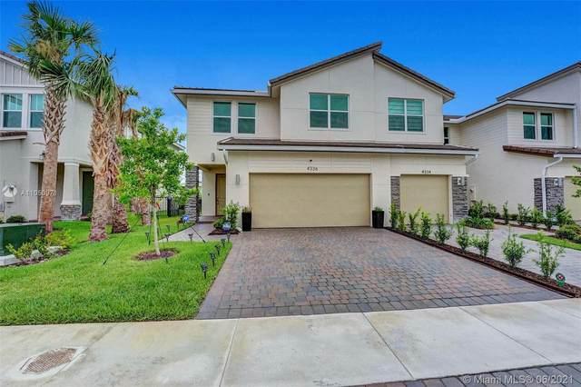 4336 Veleiros Ave, Deerfield Beach, FL 33064 (MLS #A11050971) :: Castelli Real Estate Services