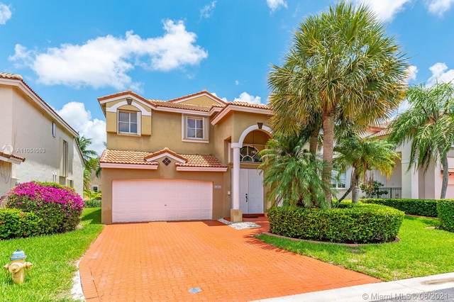 15631 SW 16th Ct, Pembroke Pines, FL 33027 (MLS #A11051063) :: Berkshire Hathaway HomeServices EWM Realty