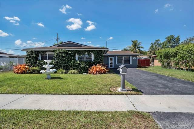2840 NW 184th St, Miami Gardens, FL 33056 (MLS #A11051201) :: The Riley Smith Group